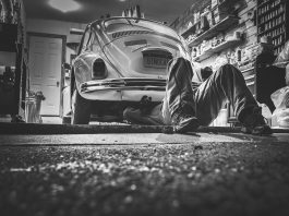 car-repair-362150_1920
